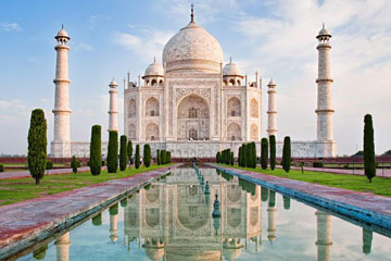 Amritsar to Agra Taxi hire