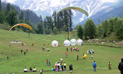 Amritsar to Manali Car Hire